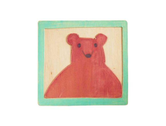 ベニヤに熊を描いた絵画作品